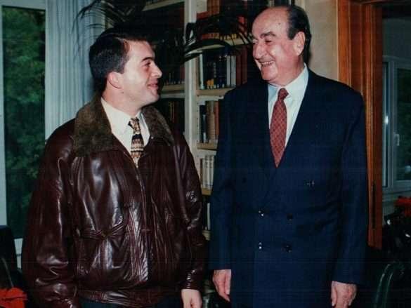 με τον επίτιμο Πρόεδρο της Ν.Δ και πρώην Πρωθυπουργό Κωνσταντίνο Μητσοτάκη, σε προσωπική συνάντησή τους