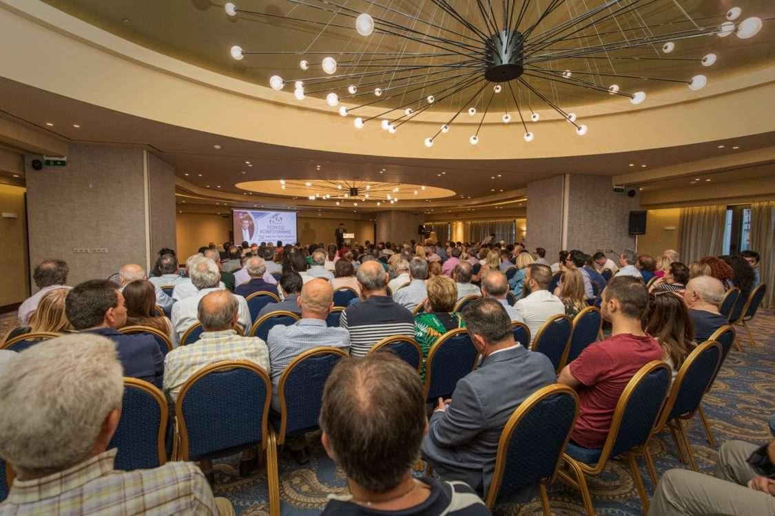 Με τον κόσμο να δίνει το σύνθημα της νίκης η ομιλία του Γιώργου Κοντογιάννη στους ετεροδημότες της Αθήνας (Photos-ΒΙΝΤΕΟ)