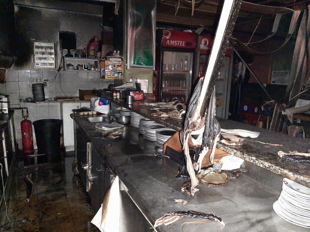 Αμαλιάδα: Φωτιά τα ξημερώματα σε ψητοπωλείο στο κέντρο της πόλης